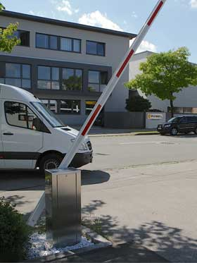 ps-3000-solarschranke-parkplatzabsperrung